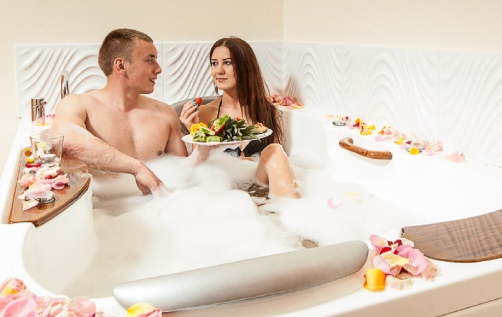 Wellness in der Duo-Badewanne